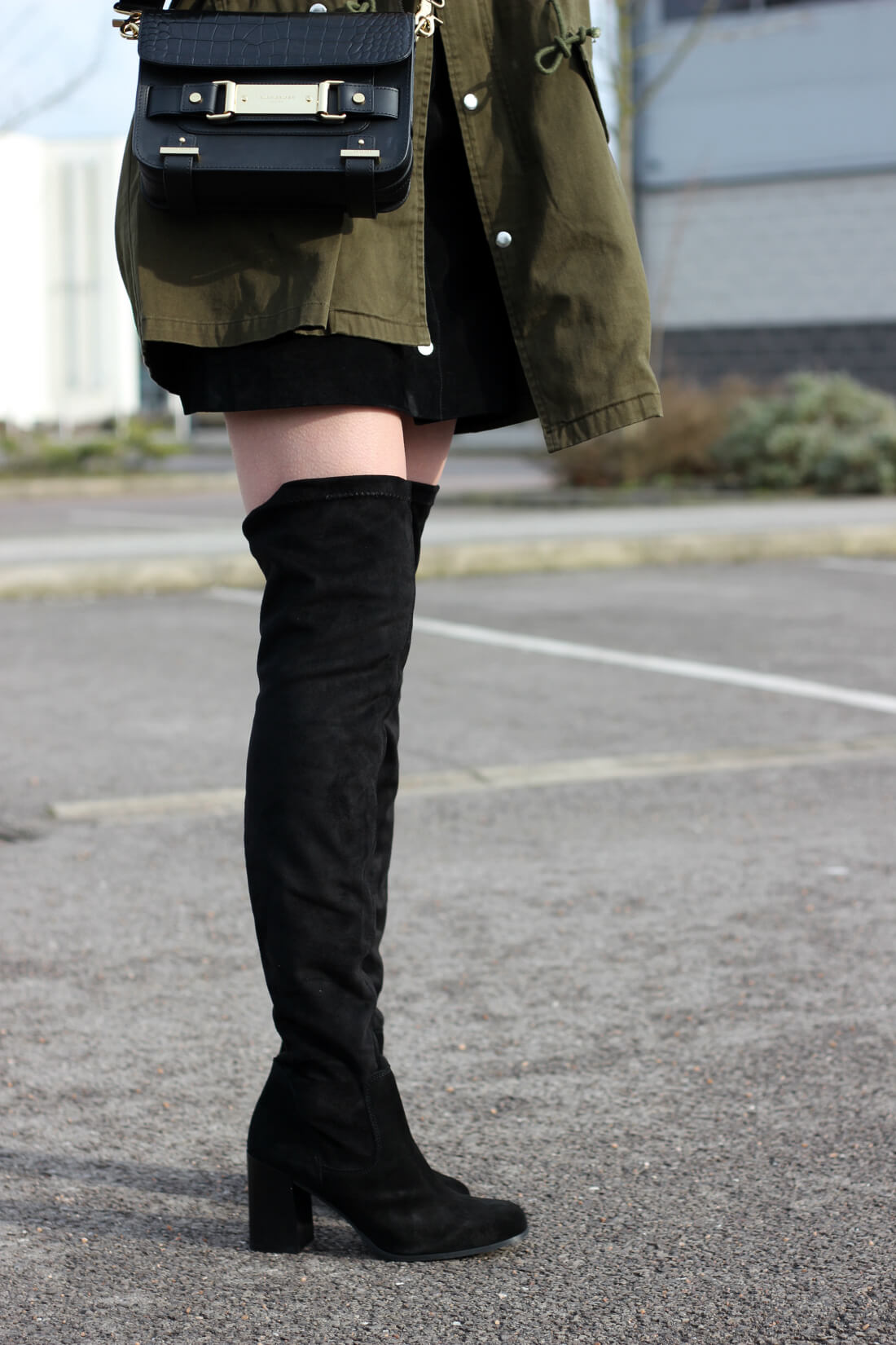 how to wear knee boots over the knee in the day on fashion blog