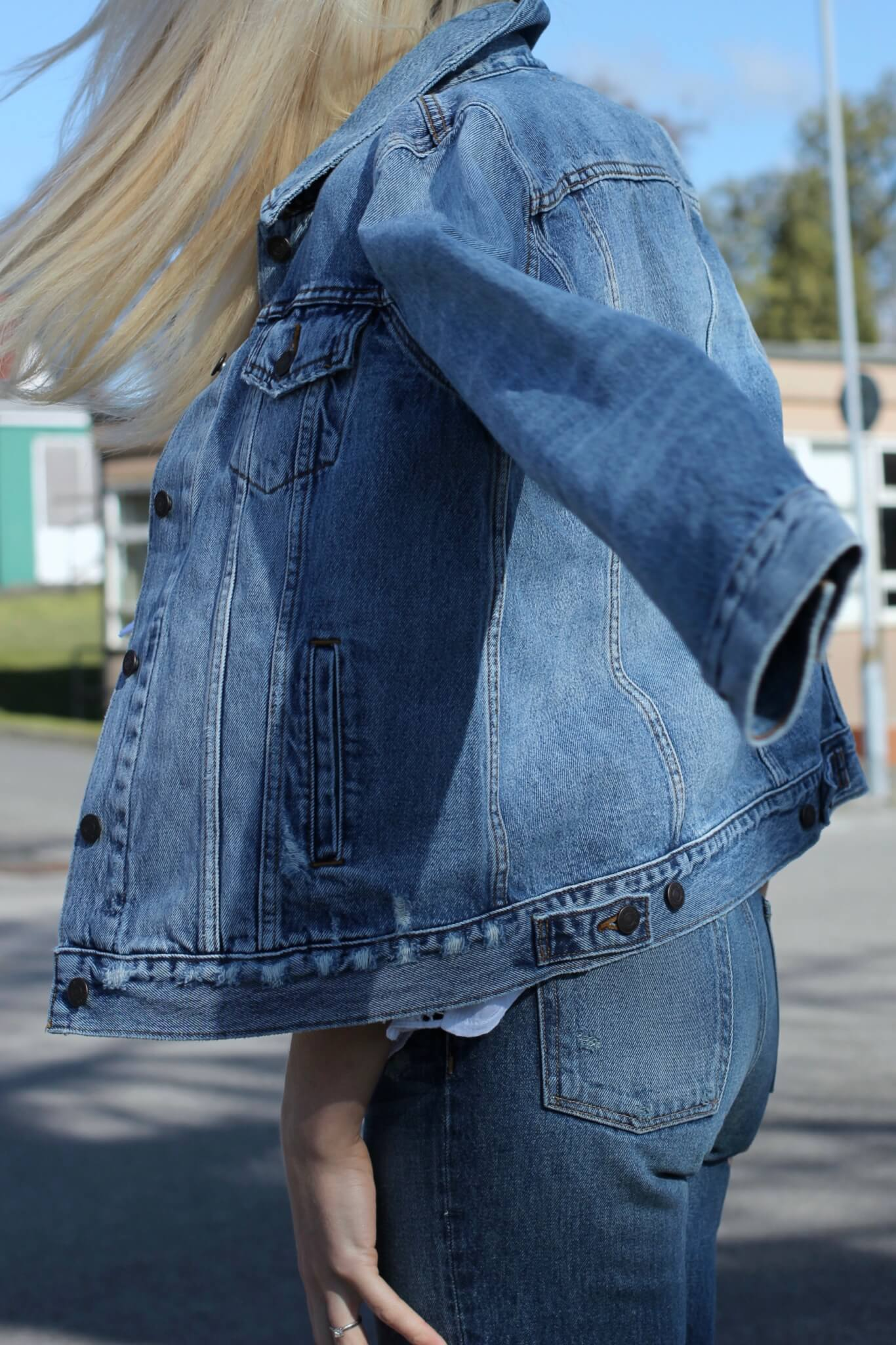 fashion blogger denim jacket street style