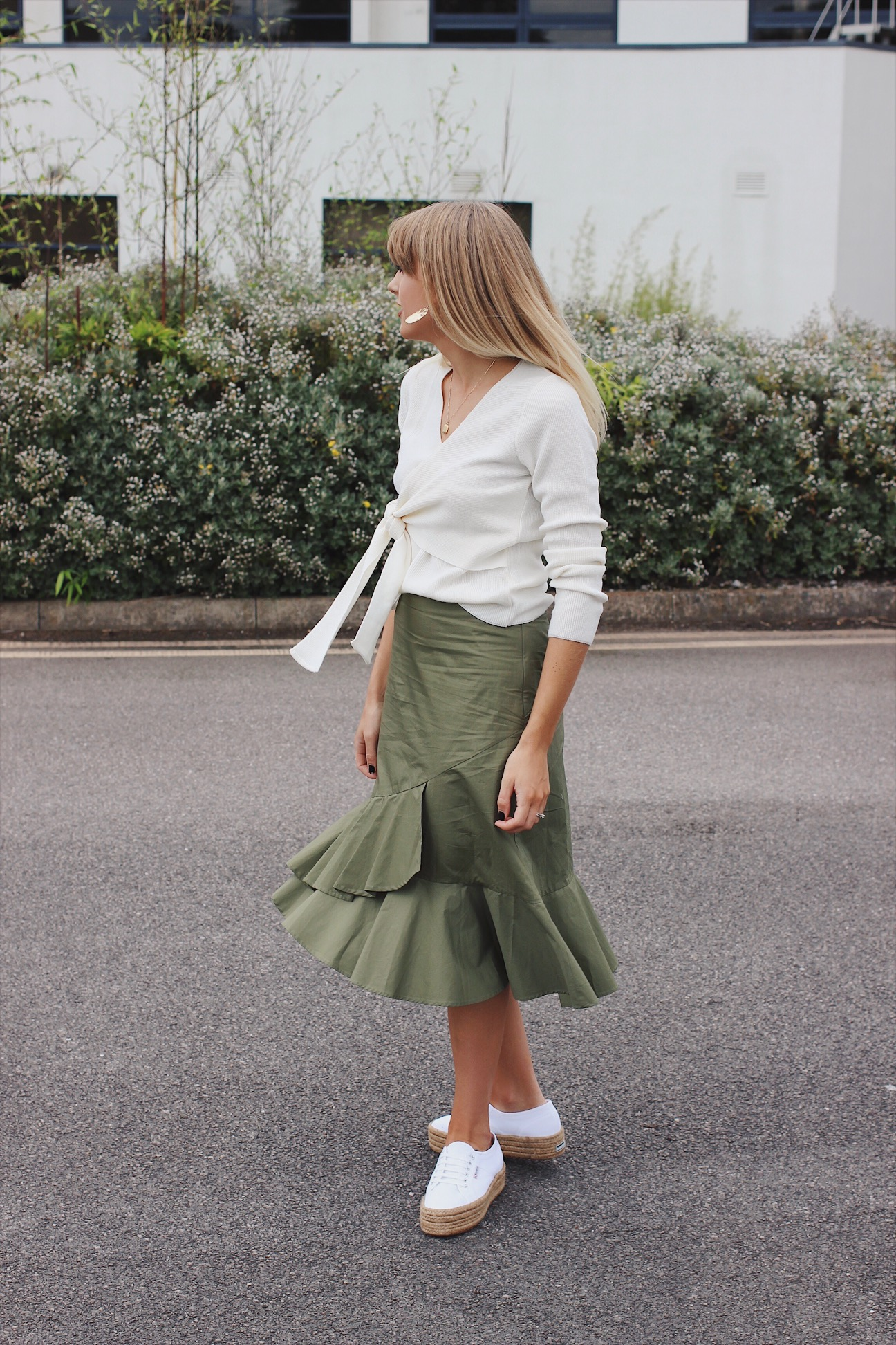 Charlotte Buttrick affordable high street fashion blogger