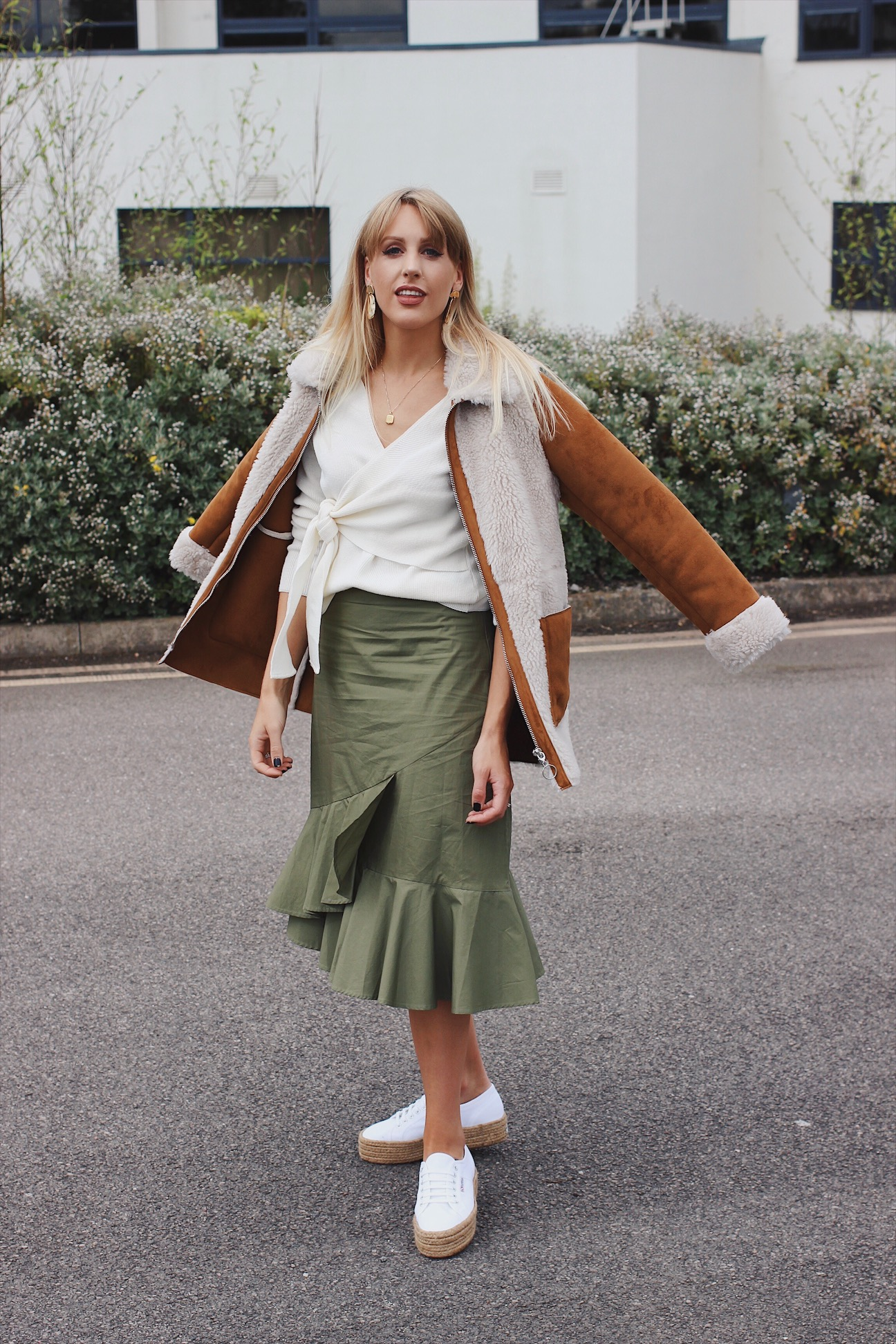 fashion blogger Charlotte Buttrick wearing ASOS and Warehouse