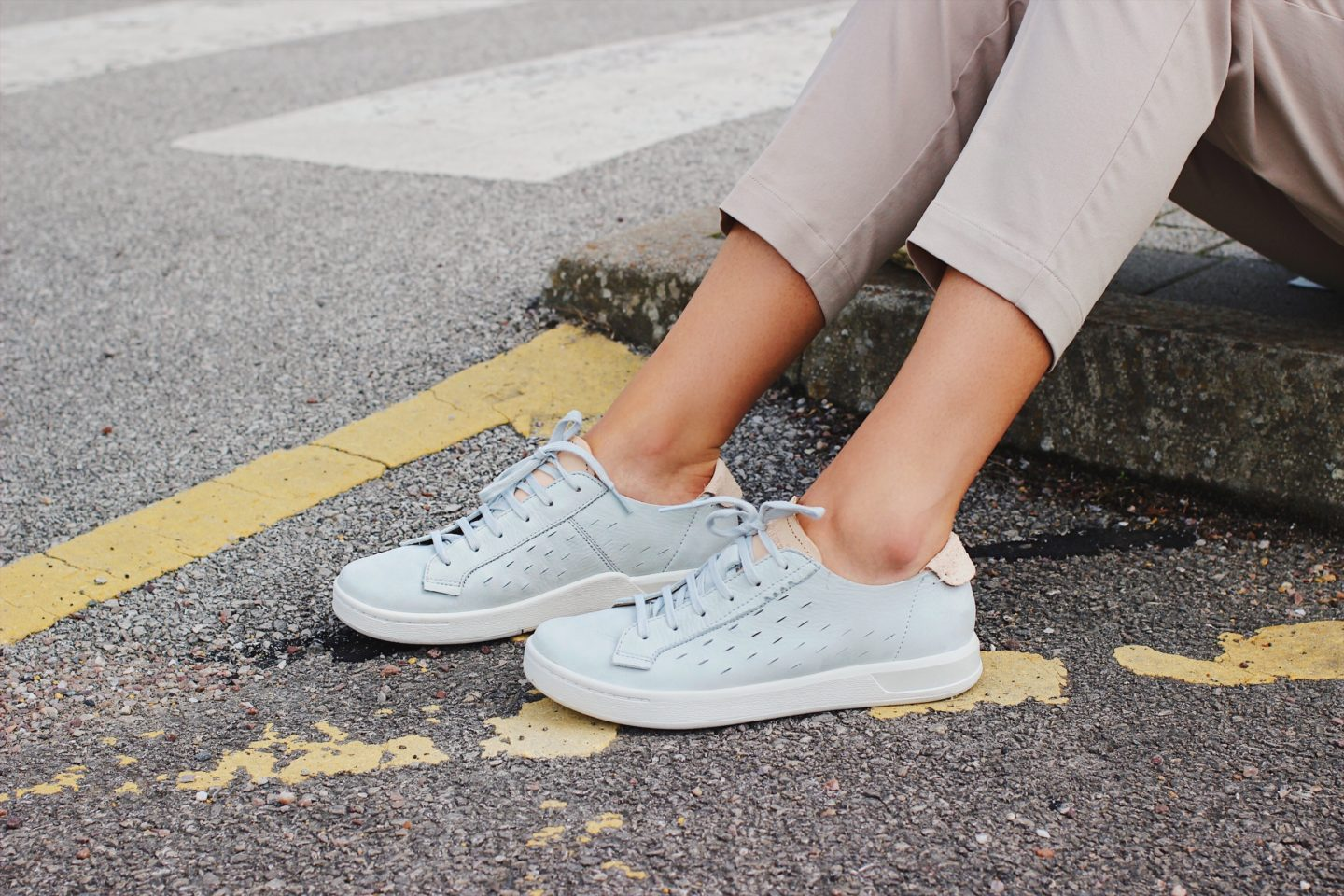 how to wear women suede trainers