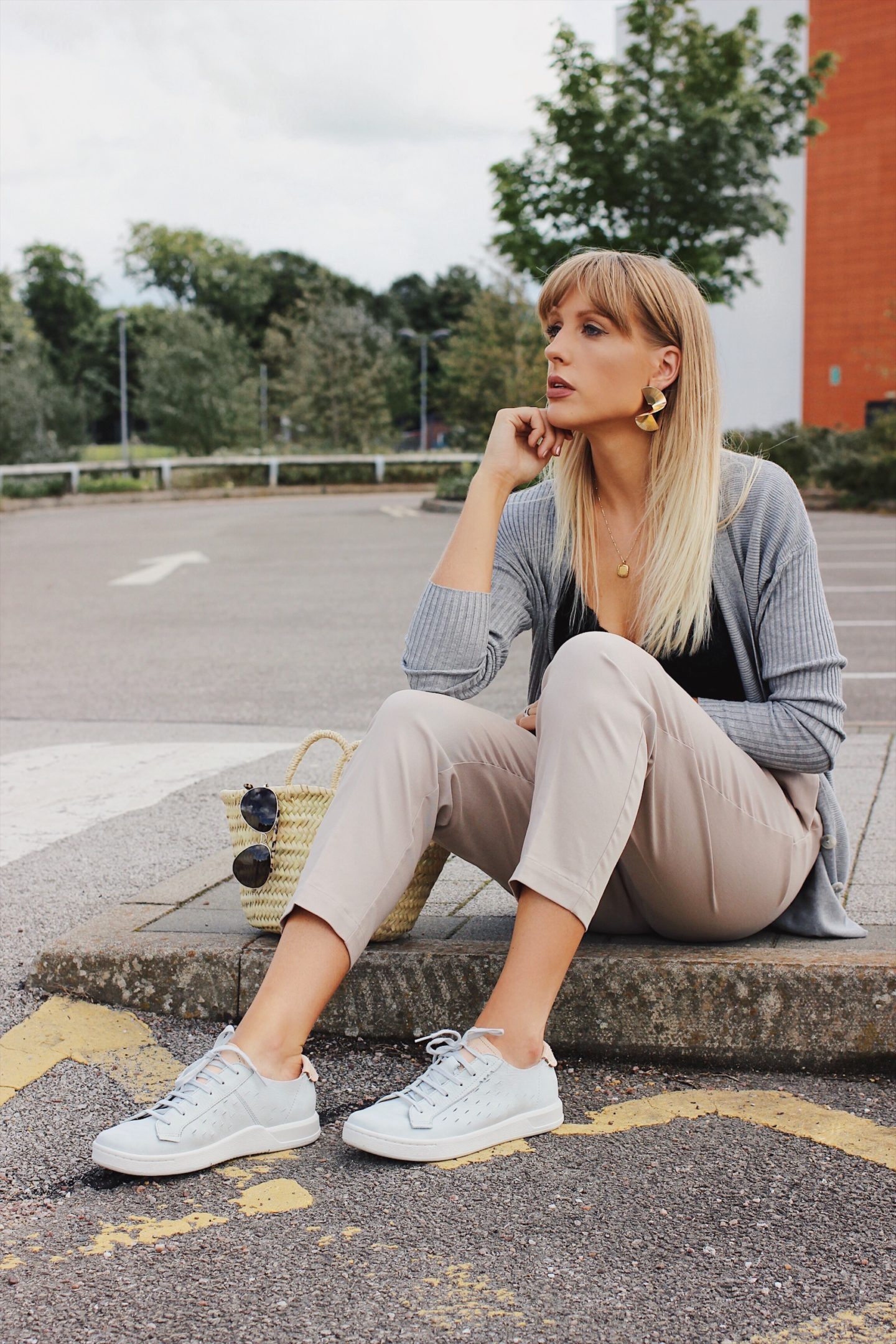 Lurchhoundloves style blogger Charlotte Buttrick wearing trainers