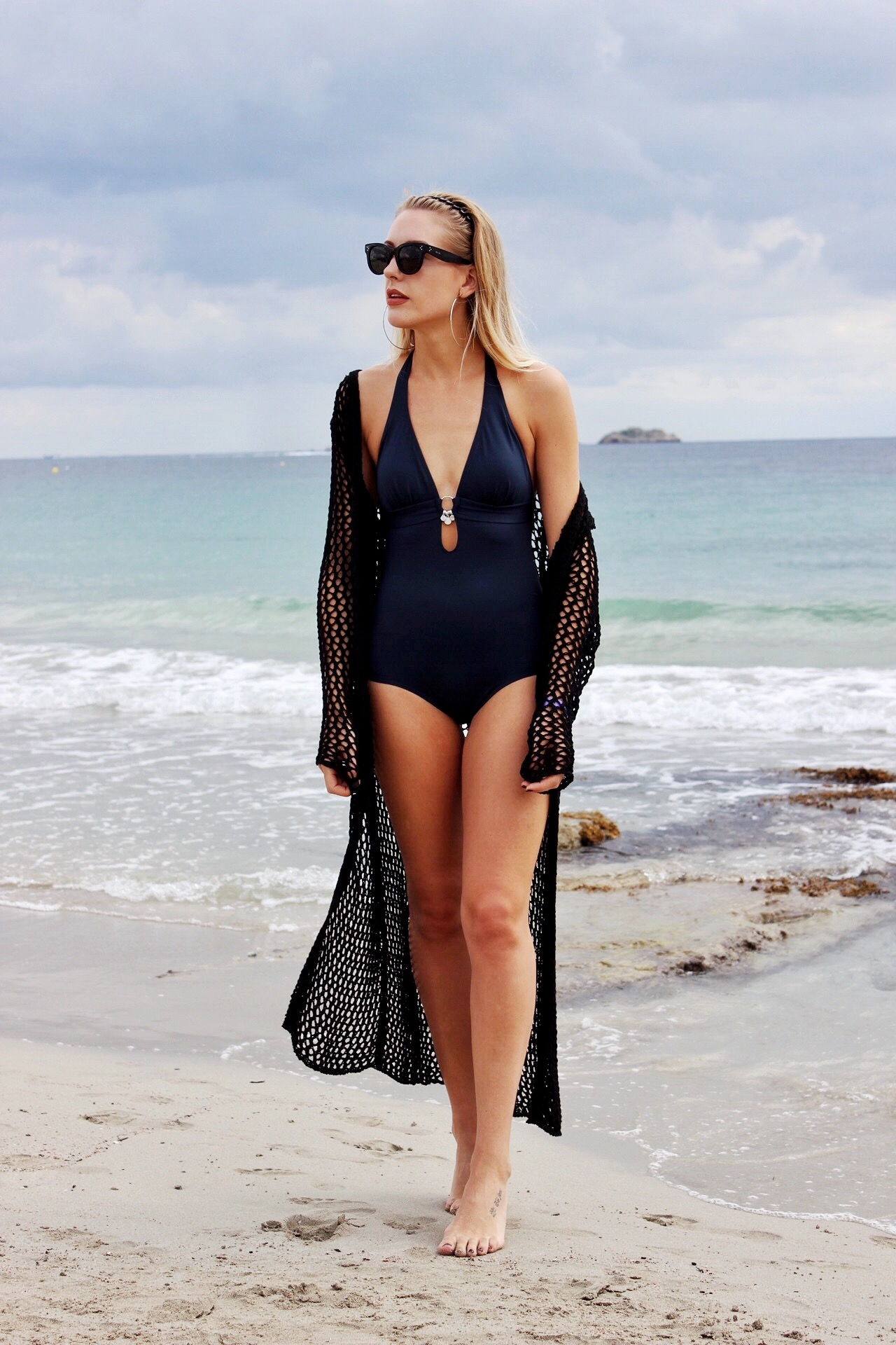 How to wear a swimsuit on holiday