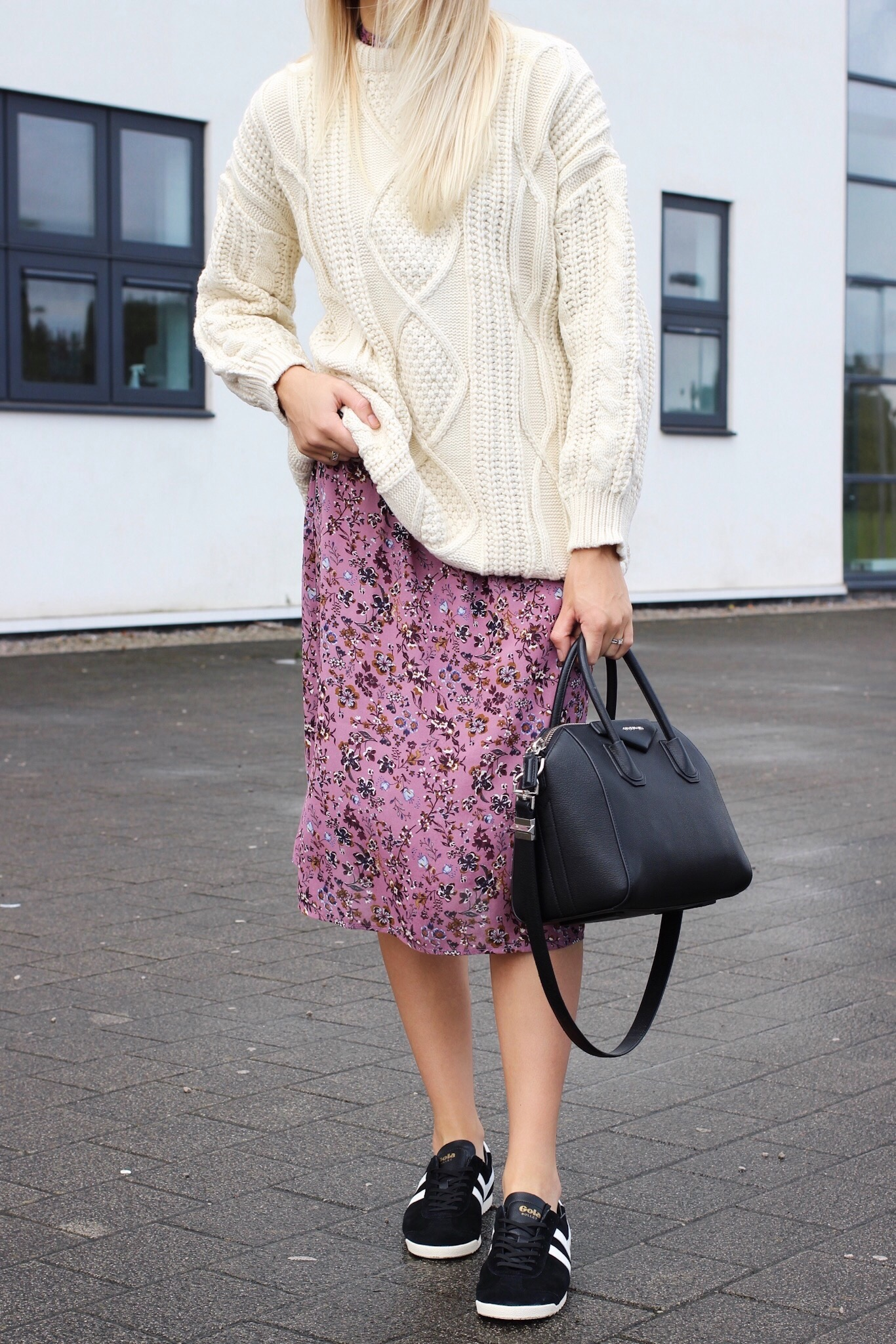 How to wear a midi skirt and trainers