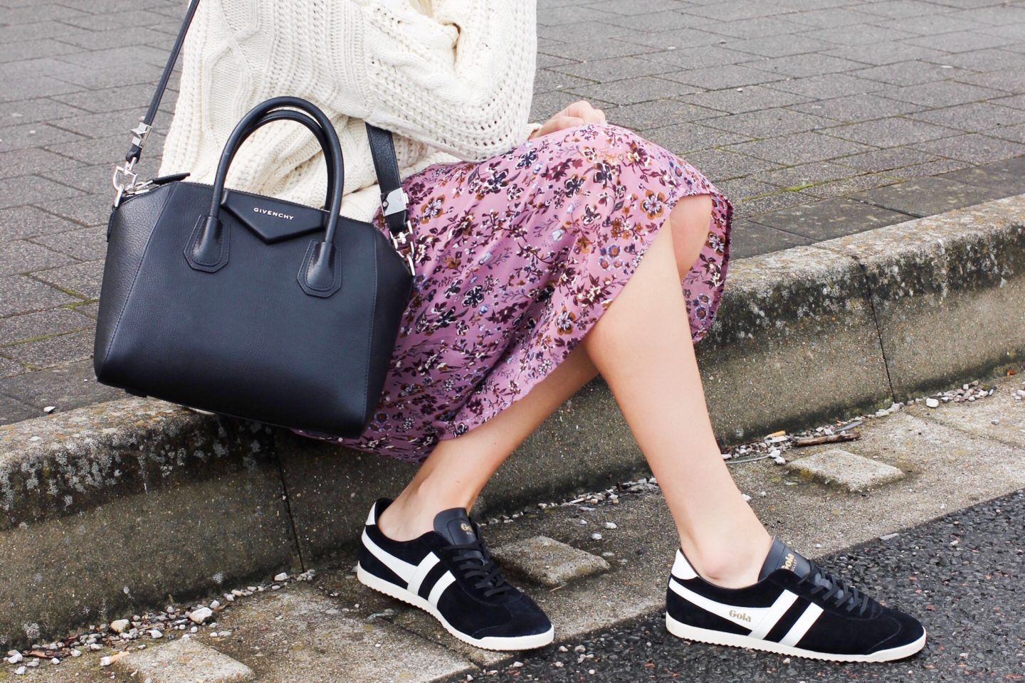Styling the Givenchy Antigona with trainers street style