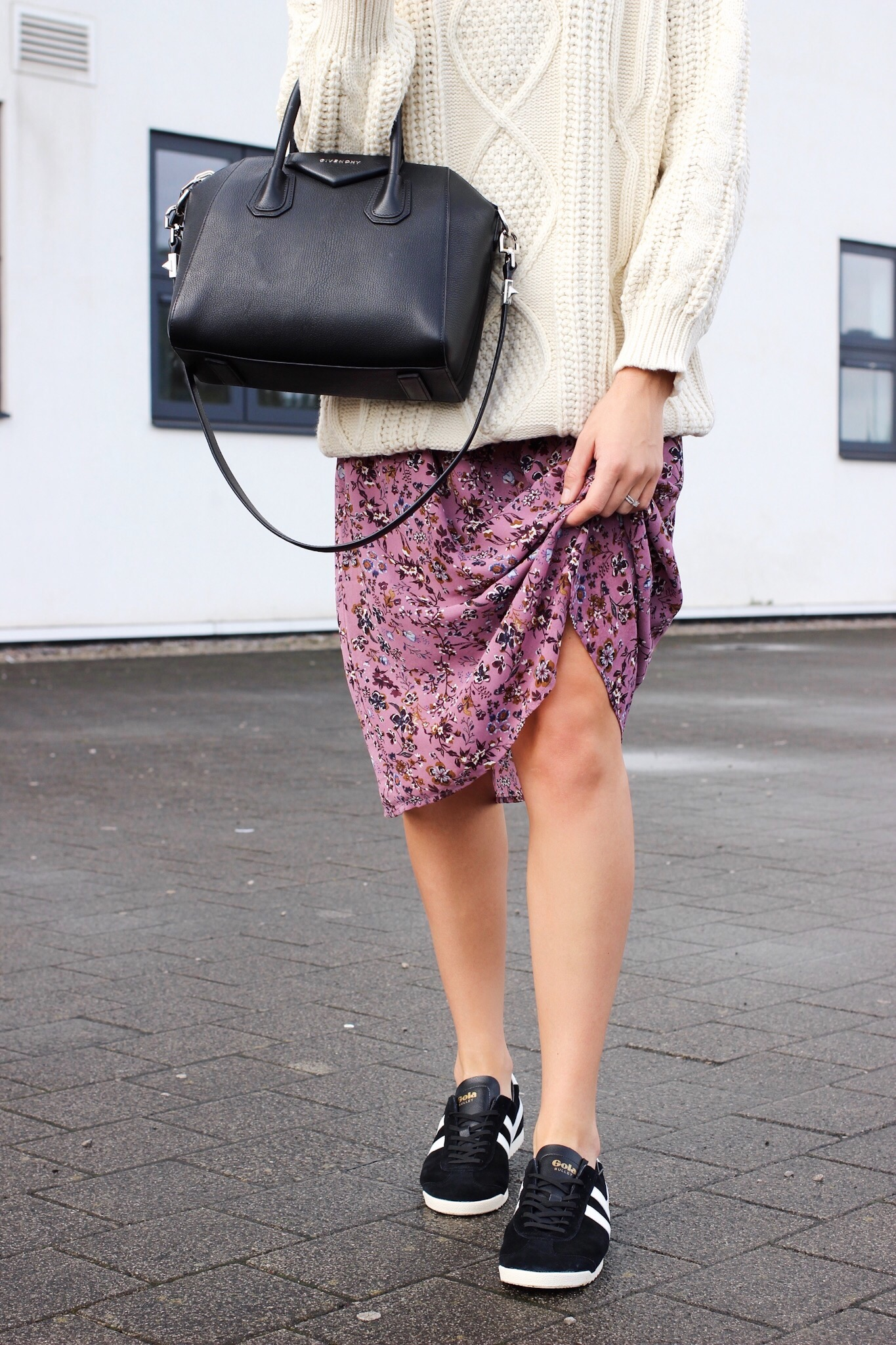 styling midi skirts with trainers