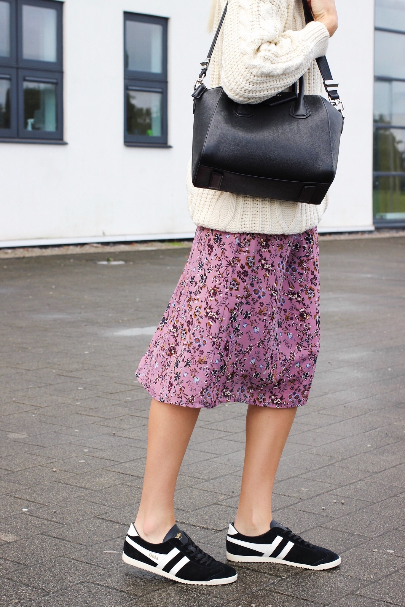 Ways to wear trainers in autumn winter